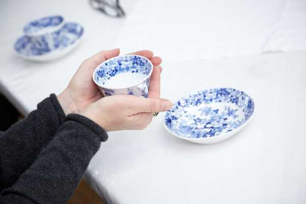 Diane Borsato, From Tea Service (Conservators will wash the dishes), 2013