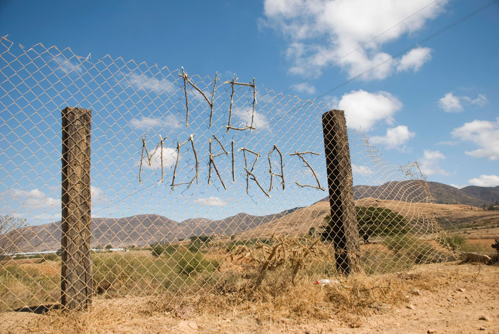 Edgardo Aragón, <em>You're Not Going to Die</em> from the series <em>Message/Warning</em>, 2007-2011, digital photograph, 63.5 cm x 91.44 cm. Courtesy of the artist and Proyectos Monclova.