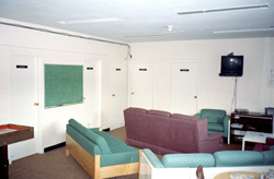Emmanuelle Léonard, <em>Chris Macallum, Instructor-therapist, Thistletown Regional Centre</em>, 2004, chromogenic print, 50 x 76 cm