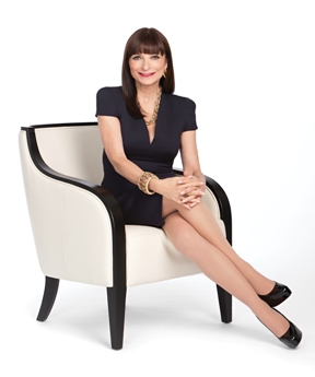 Photo of Jeanne Beker