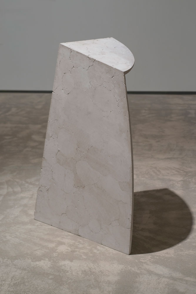 Erin Shirreff, Untitled (Shadow), 2011, ash, hydrocal, armature, 116.8 cm x 86.4cm x 45.7 cm, Agnes Etherington Art Centre, Kingston, Ontario. Photo by Paul Litherland.
