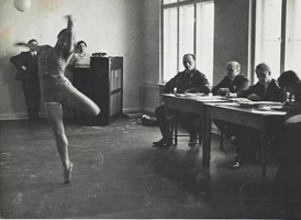 Alfred Eisenstaedt, Examination of a German dancer in the Third Reich