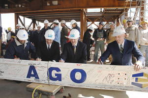 Final signatures during the topping-off ceremony
