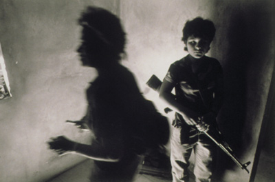 Photographs Witnessing War and Conflict